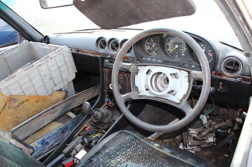 1978 2 x Mercedes SL unfinished resto - 1 x auto and 1 x manual  For Sale (picture 4 of 6)
