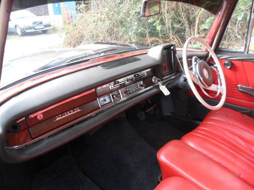 MERCEDES 230s 1966 For Sale (picture 3 of 6)