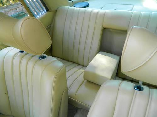 1975 Mercedes 280SLC Auto/ Air Con For Sale (picture 5 of 6)