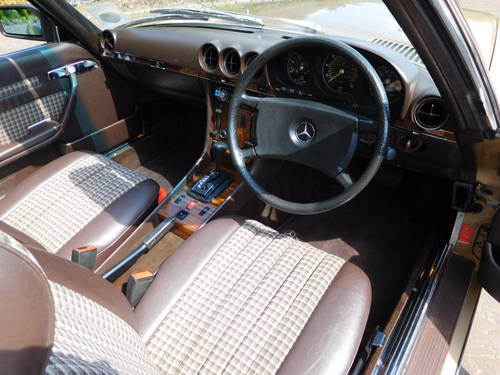 1983/Y Mercedes-Benz 380SL R107 only 24k miles, two owners For Sale (picture 5 of 6)