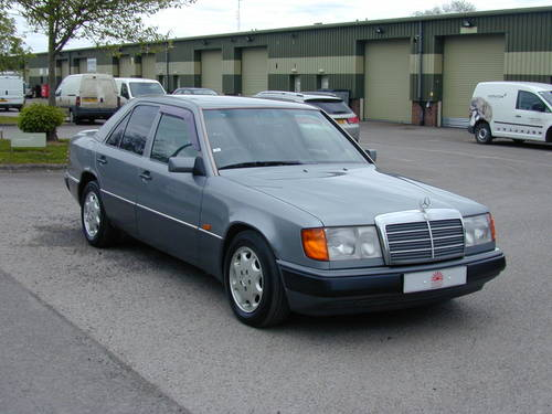 1993 MERCEDES BENZ W124 280e AUTO - CHOICE RHD/LHD SALOON/ESTATE For Sale (picture 1 of 6)