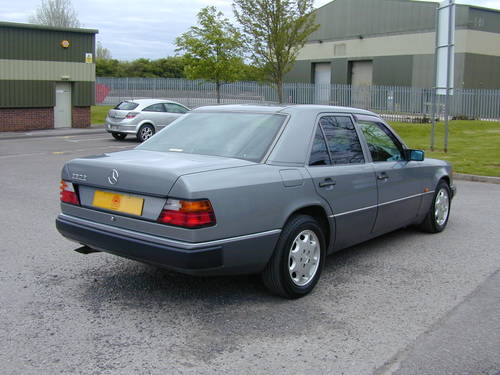 1993 MERCEDES BENZ W124 280e AUTO - CHOICE RHD/LHD SALOON/ESTATE For Sale (picture 3 of 6)