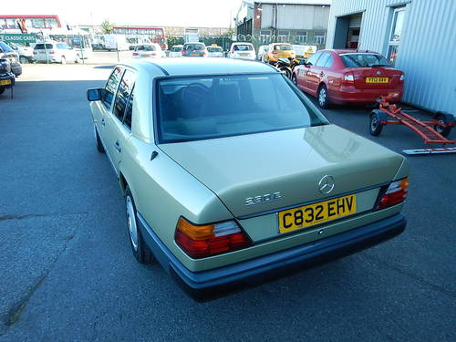 1986 MERCEDES W124 230E Automatic Saloon SOLD (picture 4 of 6)