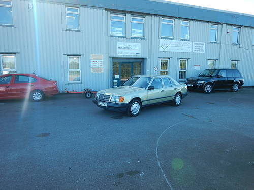 1986 MERCEDES W124 230E Automatic Saloon SOLD (picture 6 of 6)