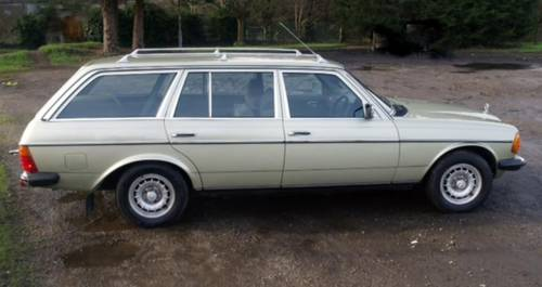 1985 MERCEDES  W123 230 TE AUTO. 7 SEATER ESTATE. For Sale (picture 1 of 6)