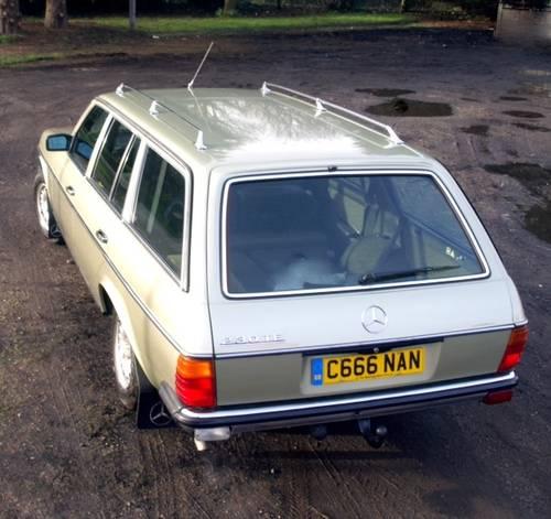 1985 MERCEDES  W123 230 TE AUTO. 7 SEATER ESTATE. For Sale (picture 4 of 6)