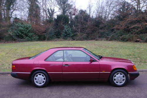 MERCEDES 220 CE AUTO..W124 COUPE..LOW MILES..FSH SOLD (picture 5 of 6)