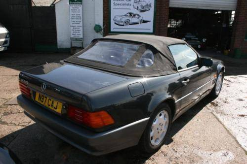 1995 Mercedes-Benz SL320 3.2 auto SOLD (picture 2 of 6)