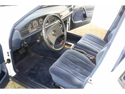 1984 Mercedes-Benz 190 2.0 E.  For Sale (picture 2 of 6)