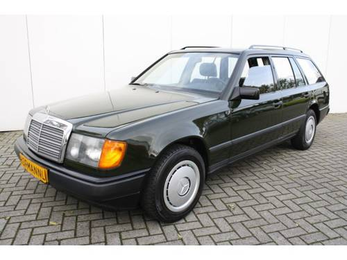 1986 Mercedes-Benz 200-serie 230 TE  For Sale (picture 1 of 6)