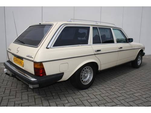 1979 Mercedes-Benz 200-serie 300 TD For Sale (picture 2 of 6)
