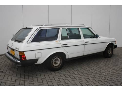 1985 Mercedes-Benz 200-serie 300 TD Turbo diesel For Sale (picture 2 of 6)