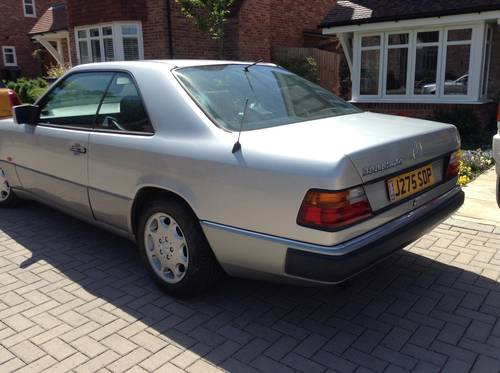 1991 Mercedes 300 CE 24 v  SOLD (picture 2 of 6)