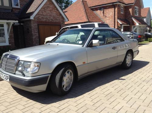 1991 Mercedes 300 CE 24 v  SOLD (picture 5 of 6)