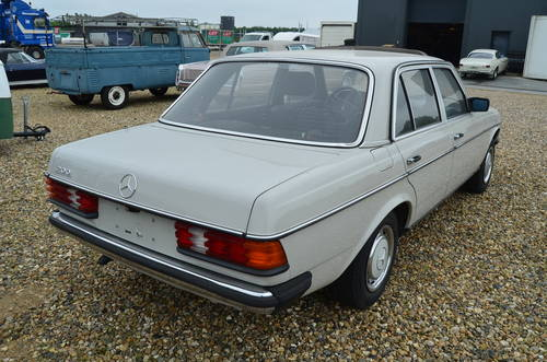 1982 Mercedes Benz 200 E  For Sale (picture 2 of 6)