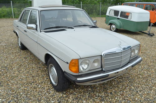 1982 Mercedes Benz 200 E  For Sale (picture 3 of 6)