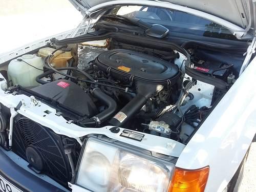 1991 Mercedes W124 200 E  RHD - 37000 Km ( 23,125 Mls ) For Sale (picture 6 of 6)