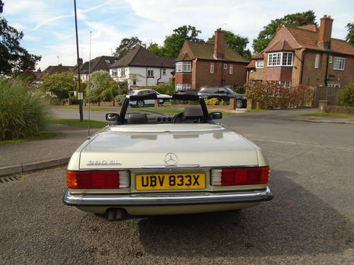 Mercedes 380 SL   1982 Auto/ Pas  Hard & Soft Tops  SOLD (picture 4 of 6)