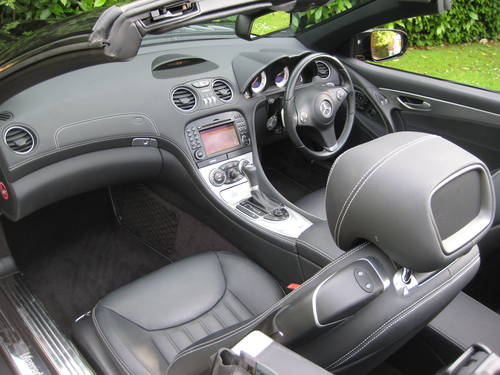 2009 Mercedes Benz SL350 Sports Pack With Pan Roof + Air Scarf For Sale (picture 3 of 6)
