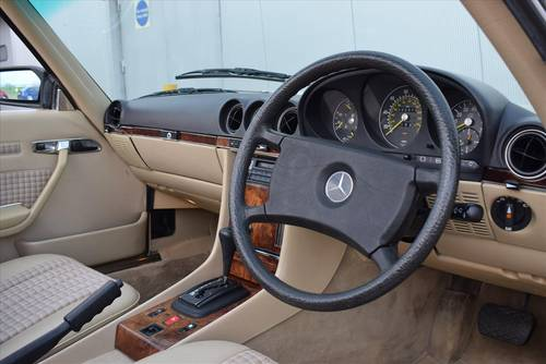 1985 Mercedes 380SL Auto (Hard & Soft Top) For Sale (picture 4 of 6)