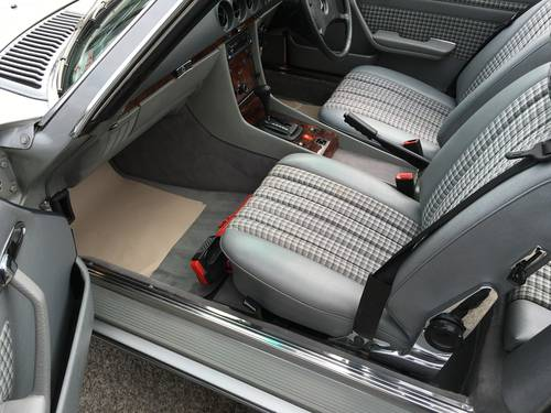 1984 MERCEDES 280SL 107 SERIES ROADSTER WITH HARD TOP For Sale (picture 2 of 6)