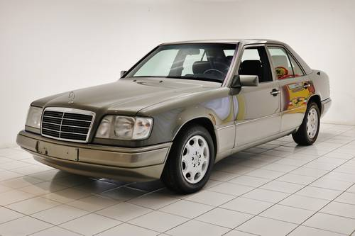 1993 Mercedes-Benz E 250 D * 56.000km * History * Sunroof * For Sale (picture 1 of 6)