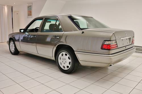 1993 Mercedes-Benz E 250 D * 56.000km * History * Sunroof * For Sale (picture 2 of 6)