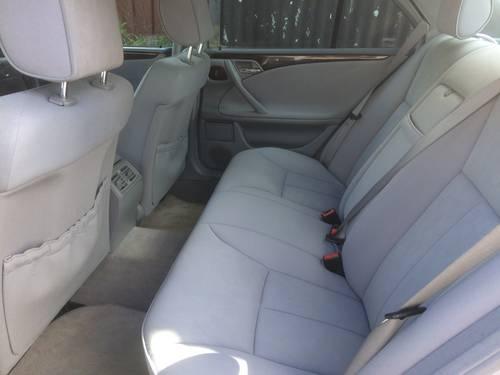 2001 MERCEDES E240 ELEGANCE AUTO SALOON LOW MILEAGE W210 SOLD (picture 6 of 6)