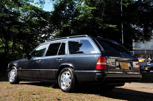1995 Mercedes-Benz W124 E320 Estate 70,398 miles from new SOLD (picture 2 of 6)