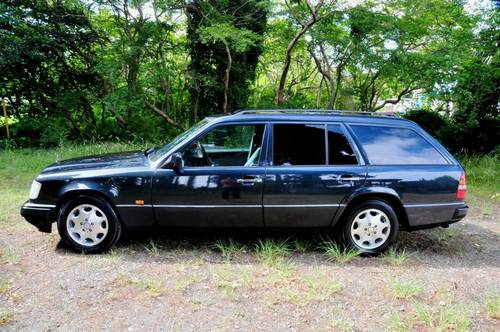 1995 Mercedes-Benz W124 E320 Estate 70,398 miles from new SOLD (picture 3 of 6)