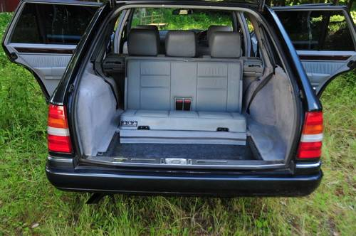 1995 Mercedes-Benz W124 E320 Estate 70,398 miles from new SOLD (picture 5 of 6)