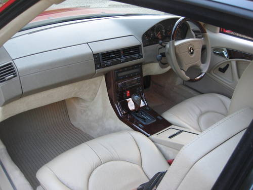 1998 Mercedes Benz SL320 R129 With Just 7,900  Miles From New For Sale (picture 5 of 6)