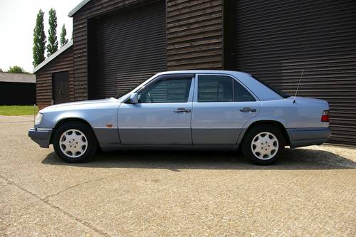 1994 Mercedes W124 E320 Saloon Automatic (47,228 miles) SOLD (picture 1 of 6)