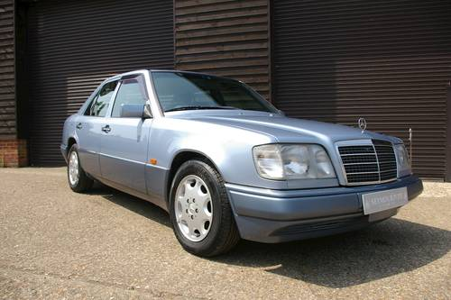 1994 Mercedes W124 E320 Saloon Automatic (47,228 miles) SOLD (picture 2 of 6)