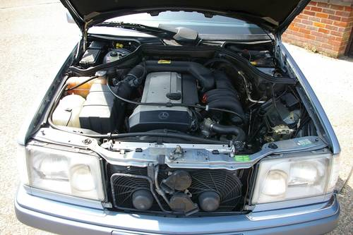1994 Mercedes W124 E320 Saloon Automatic (47,228 miles) SOLD (picture 6 of 6)
