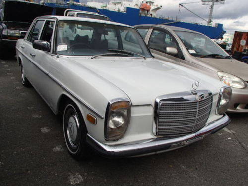 MERCEDES 230/6 1974 - RUNS AND DRIVES - NEEDS WORK - RHD SOLD (picture 1 of 6)