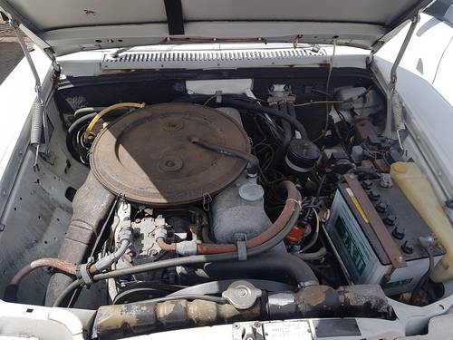 MERCEDES 230/6 1974 - RUNS AND DRIVES - NEEDS WORK - RHD SOLD (picture 6 of 6)