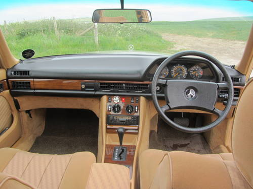 1982 Mercedes-Benz 380 SE for sale SOLD (picture 4 of 6)