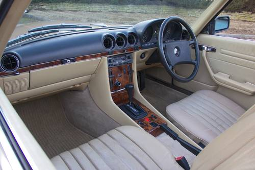 1985 Mercedes-Benz (R107) 280SL SOLD (picture 6 of 6)