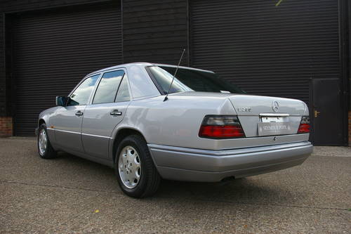 1994 Mercedes W124 E280 LTD Automatic Saloon (25,763 miles) SOLD (picture 3 of 6)