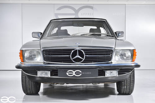 1983 Mercedes Benz 280SL - Stunning Condition - 33K miles SOLD (picture 1 of 6)