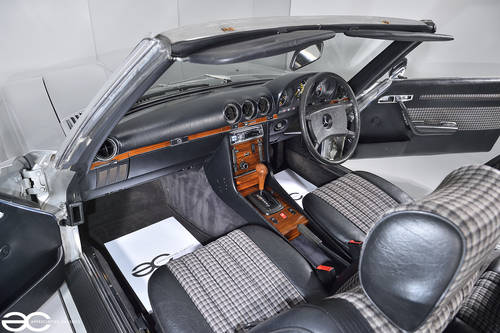 1983 Mercedes Benz 280SL - Stunning Condition - 33K miles SOLD (picture 5 of 6)