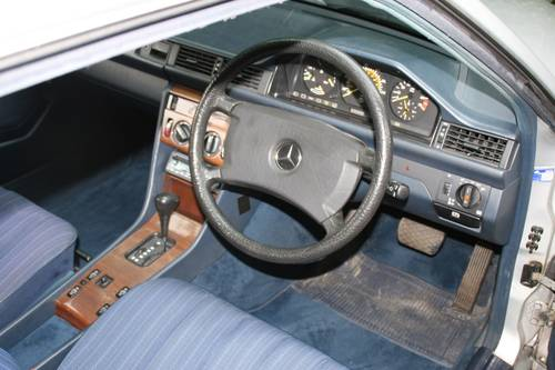 1988 STUNNING W124 300E COUPE, £2500 SPENT RECENTLY SOLD (picture 5 of 6)