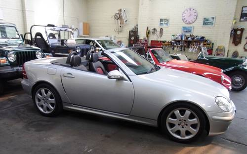 2001 Mercedes-Benz SLK 320 coupe convertible For Sale (picture 1 of 6)