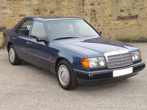 1989 Mercedes W124 230E Auto - Low Miles -FSH- Immaculate Example SOLD (picture 3 of 6)