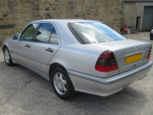2000 Mercedes W202 C220 CDI Classic Selection Auto - 86K  - FSH  SOLD (picture 2 of 6)