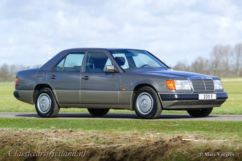 1992 Mercedes-Benz 200 E (W124) - LIKE BRAND NEW! - 11.960 KM! For Sale (picture 1 of 6)