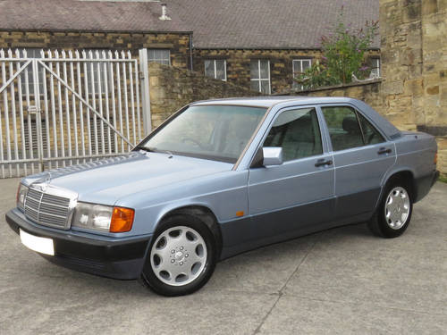1993 Mercedes W201 190D 2.5 Auto -Excellent- FSH (35 Stamps) SOLD (picture 1 of 6)