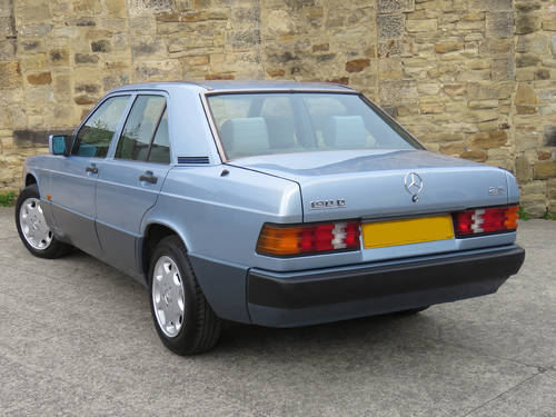 1993 Mercedes W201 190D 2.5 Auto -Excellent- FSH (35 Stamps) SOLD (picture 2 of 6)