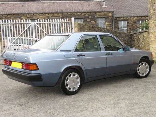 1993 Mercedes W201 190D 2.5 Auto -Excellent- FSH (35 Stamps) SOLD (picture 4 of 6)